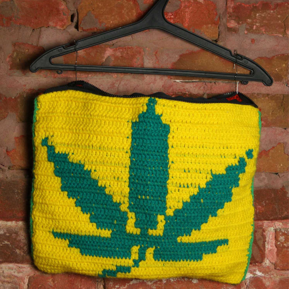 Tricolor cushion cover with hemp leaf